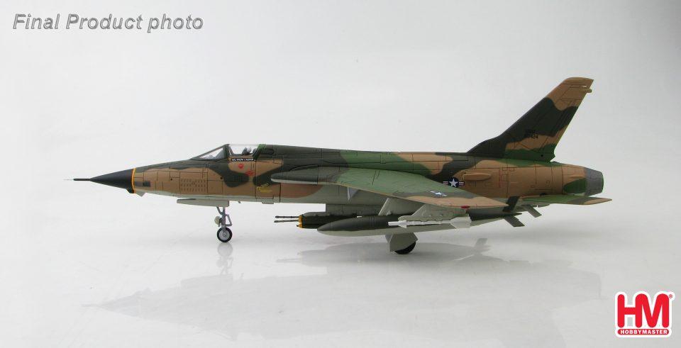 "HA2513 Hobbymaster F-105 Thunderchief 60-0424 ""MICKEY TITTY Chi"" 34th TFS/388th TFW Korat RTAFB, Thailand 1967"