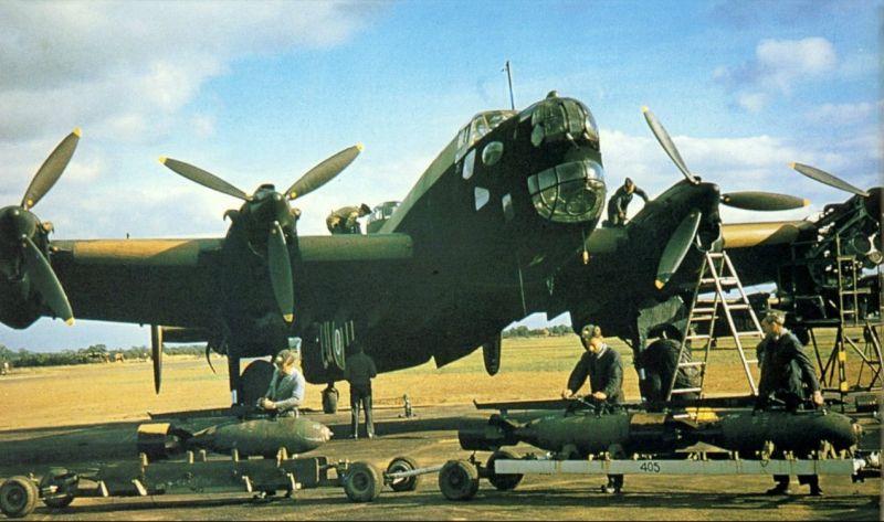 Handley-Page Halifax, RCAF