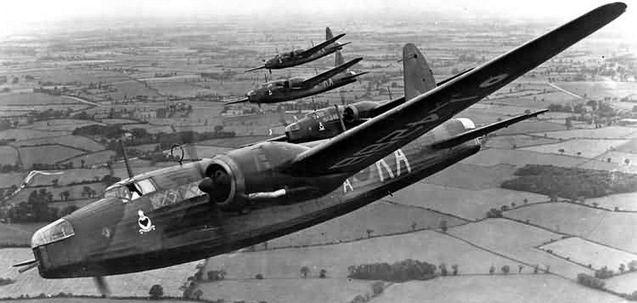 Vickers Wellington Medium Bomber Warplanes Collectors Club Card