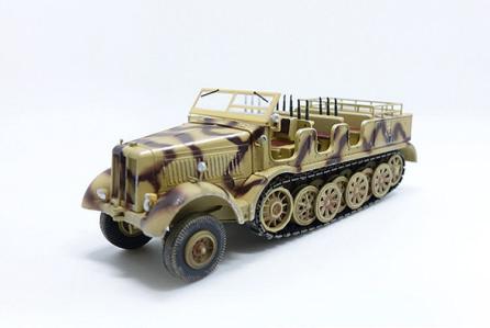 PMA Blitz72 1:72 Sd.Kfz.8 Schwerer Zugkraftwagen 12T Tri-Color Camo German P0319