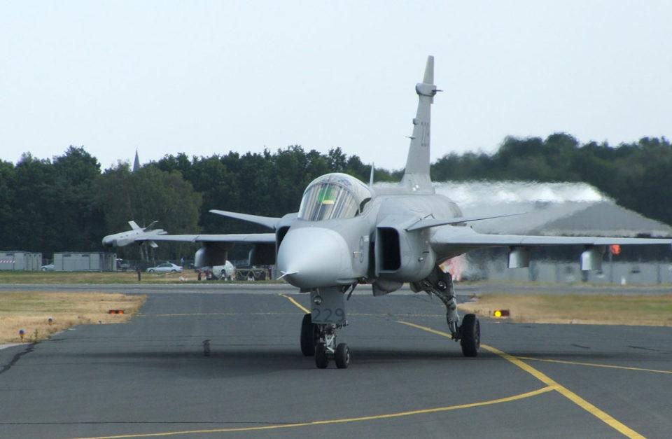 Saab JAS 39 Gripen, Aviation 72 updates and Air Commander