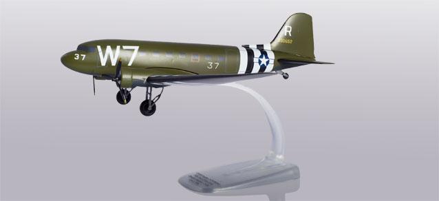 Neu Army Air Forces Douglas C-47A Skytrain Herpa Snapfit 612296-1//100 U.S